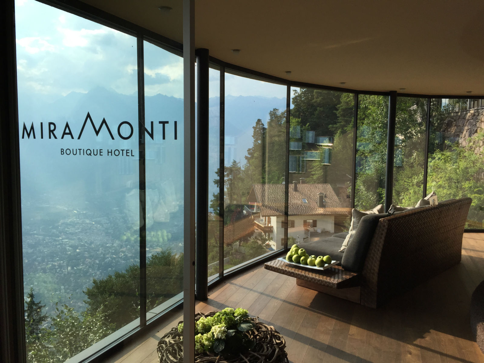 Miramonti boutique hotel in s dtirol hotelreview for Designhotel suedtirol