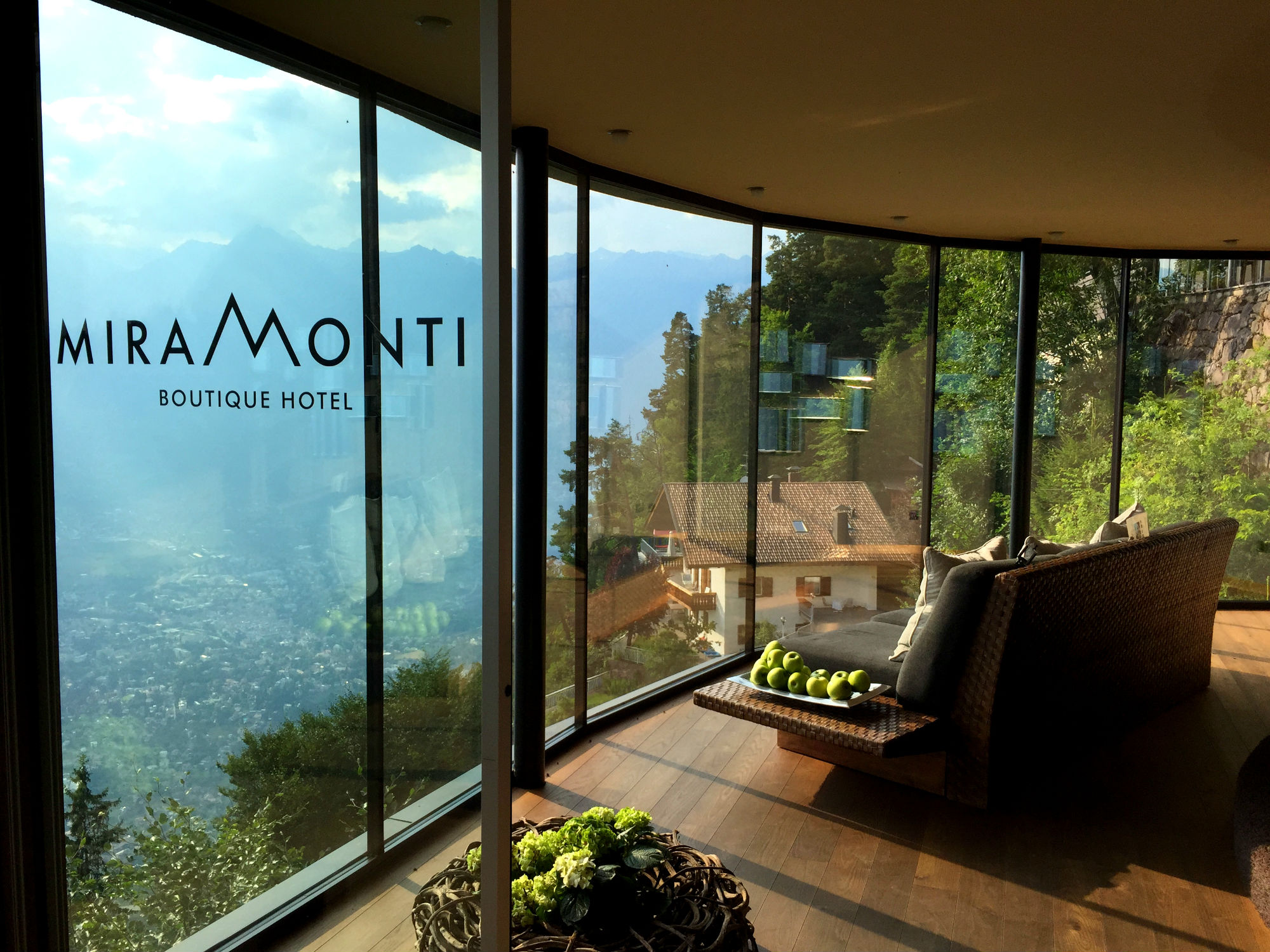 Miramonti boutique hotel in s dtirol hotelreview for Design boutique hotel