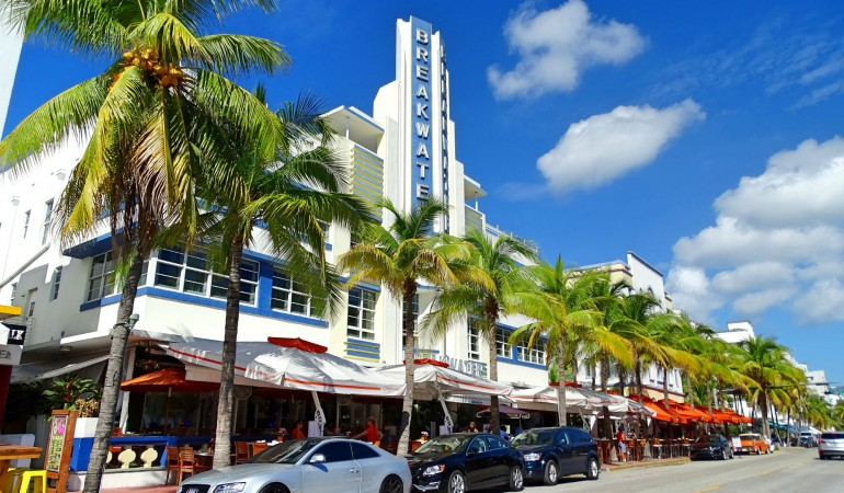 Miami Beach – Der perfekte Tag mit Strand, Speedboot und Food-Tour